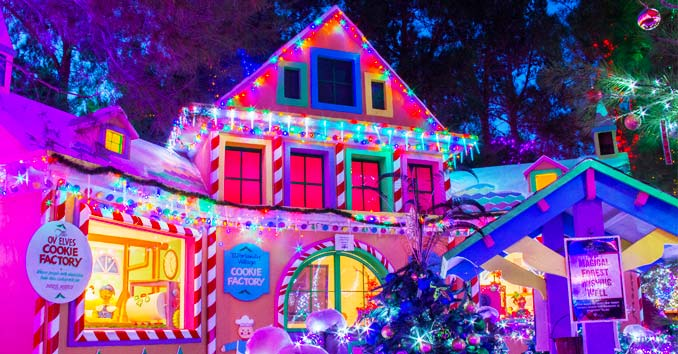 Christmas Tree Lights Houses Neighborhoods Las Vegas 2020 Las Vegas Christmas 2019: Christmas Lights, Shows & Events in Vegas